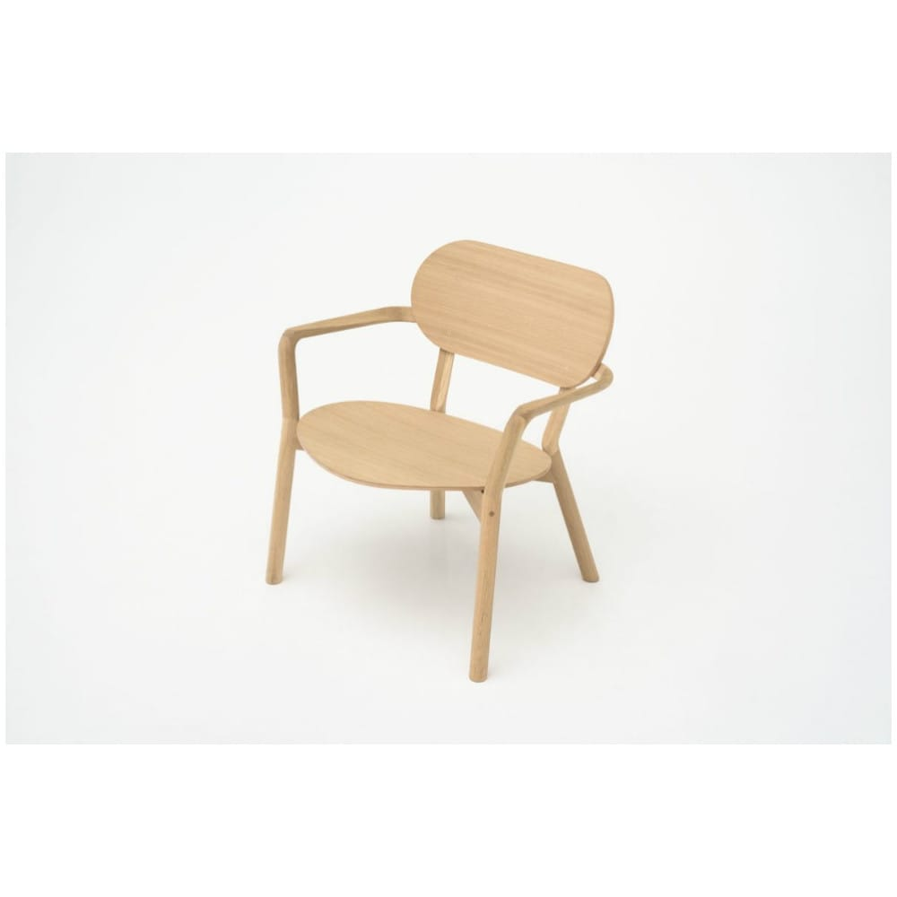 Castor chair low en madera de roble de karimoku for El castor muebles