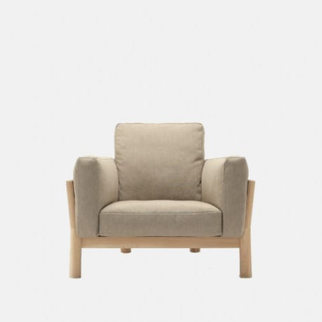 Butaca castor sofa one seater en madera y tapizado de karimoku - Muebles castor ...
