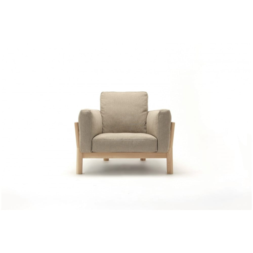 Butaca castor sofa one seater en madera y tapizado de karimoku - Muebles el castor ...